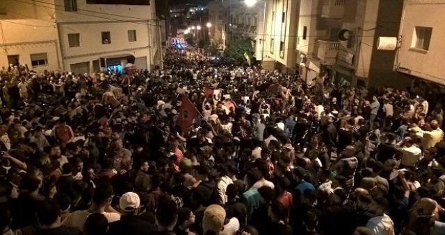 المغرب : الاحتجاجات في الحسيمة تستمر بزخم أكبر، وقمع دموي للمتضامنين في تطوان ومرتيل