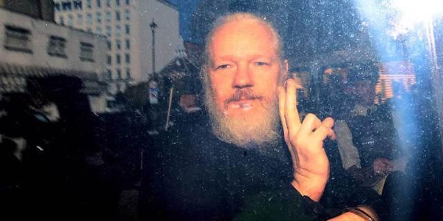 <a class=&quot;amazingslider-posttitle-link&quot; href=&quot;https://www.alhoukoul.com/mn-ajl-assange-asanj/&quot;>من أجل Assange / أسانج</a>