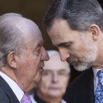 "<a class=""amazingslider-posttitle-link"" href=""https://www.alhoukoul.com/fsad-aldemwqratdett-alrasmalett-mlk-iesbanea-tlqa-rshwtt-bmaett-mlewn-dwlar-mn-mlk-alsawdett-alsabq/"">فساد الديموقراطية الرأسمالية : ملك إسبانيا تلقى رشوة بمئة مليون دولار من ملك السعودية السابق</a>"