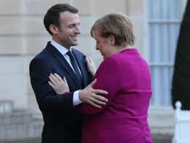 "<a class=""amazingslider-posttitle-link"" href=""https://www.alhoukoul.com/alwhdtt-almalett-twsa-alfjwtt-altdbqett-fe-aliethad-alawrwbe-altdtamn-alamale-ewajh-thdeat-ssabtt/"">الوحدة المالية توسع الفجوة الطبقية في الإتحاد الأوروبي : التضامن العمالي يواجه تحديات صعبة؟</a>"